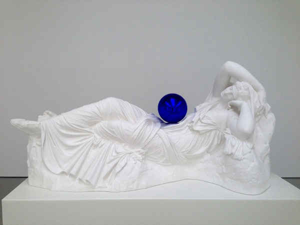 Jeff-Koons-beaubourg-pompidou-gazing-ball-2