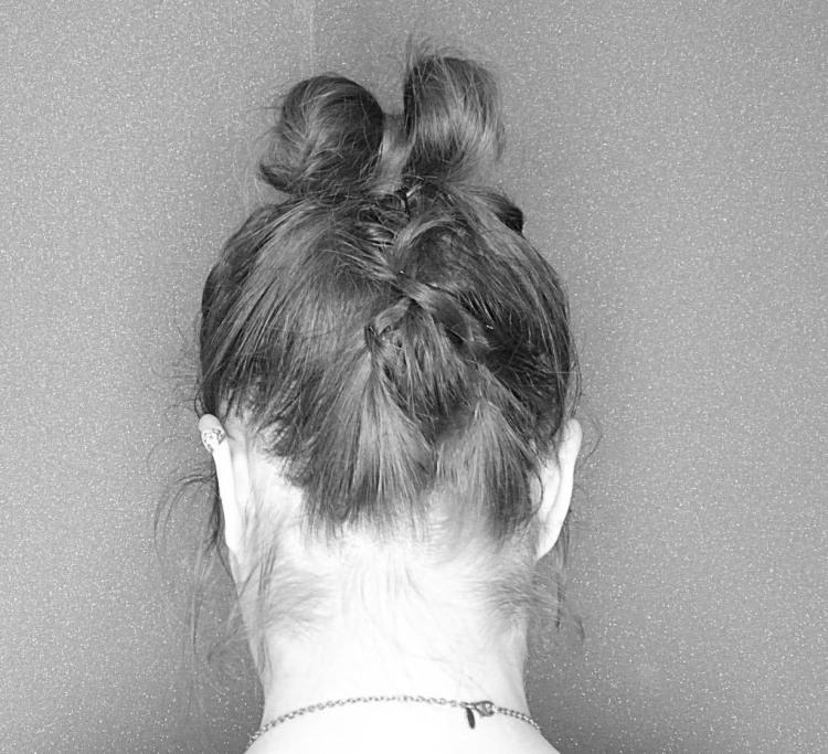 Un noeud en cheveux