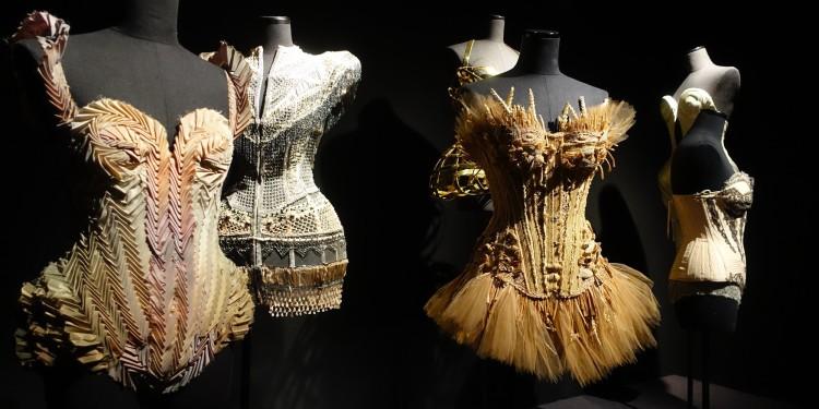 exposition-gaultier-grand-palais-2015-corsets