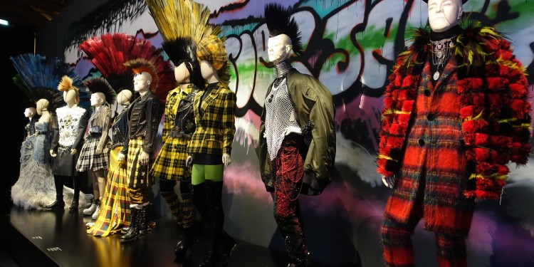 exposition-gaultier-grand-palais-2015-punk