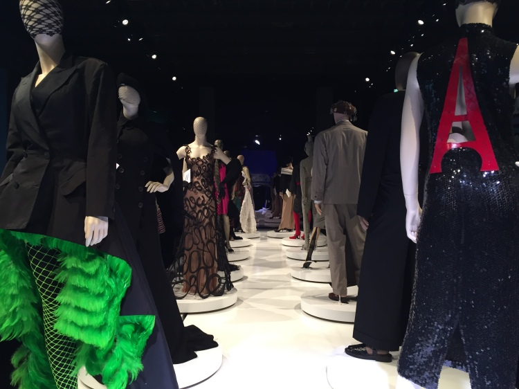exposition-gaultier-grand-palais-2015-scenographie