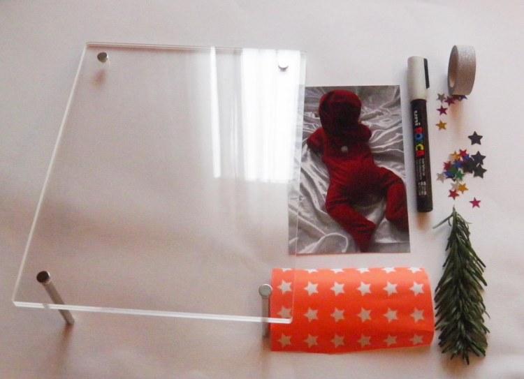 premiere-decoration-noel-enfant-cadre-souvenir-