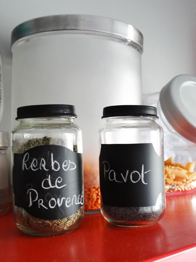 DIY-recycler-petit-pot-bebe-pot-epices-peinture-tableau-1