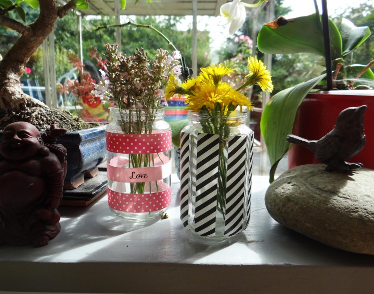 DIY-recycler-petit-pot-bebe-vase-masking-tape-1