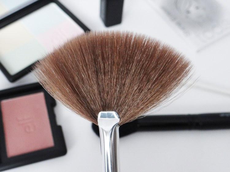 maquillage-elf-pinceau-epouvantail