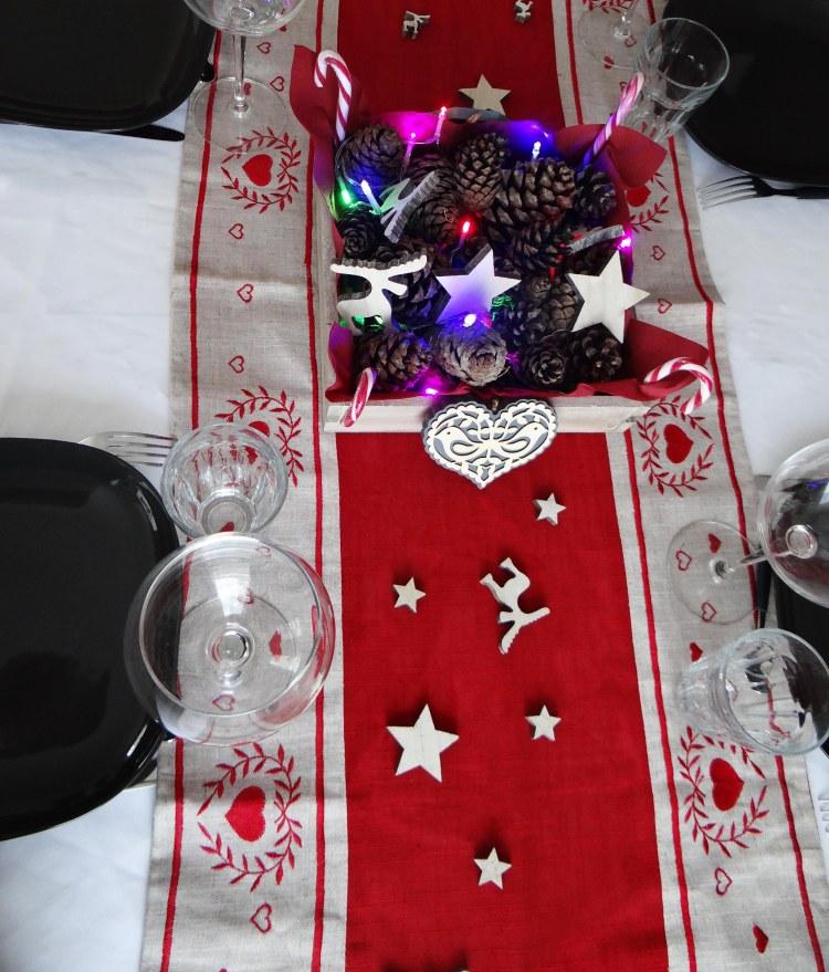 idee-deco-centre-table-noel-traditionnel-1